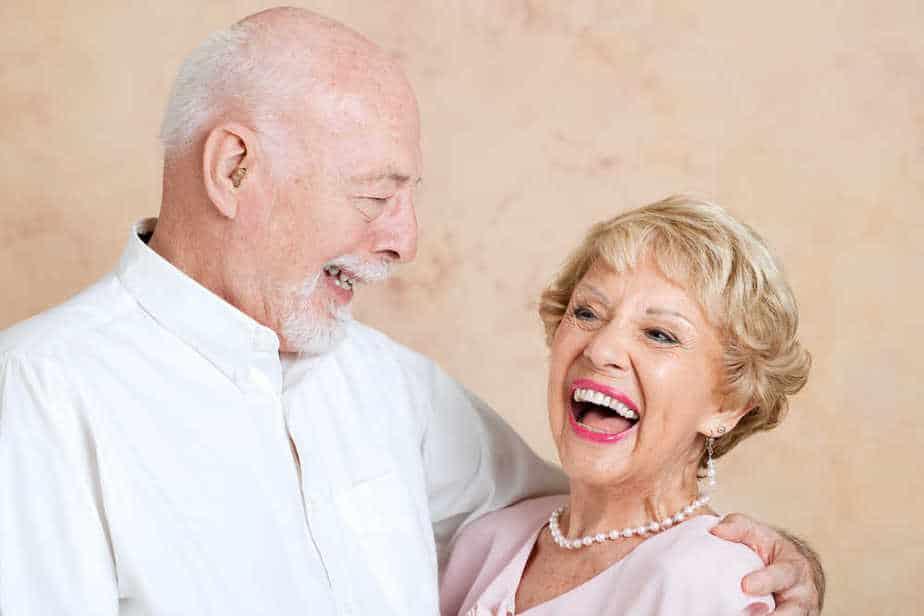 היתרונות הבריאותיים של שיניים תותבות