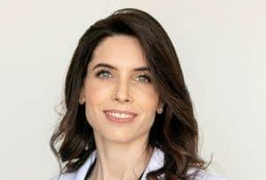 """ד""""ר אואנה מאייר מומחית בכירורגיה פלסטית ואסתטית"""